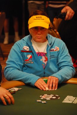 Jill plays WSOP Ladies Tournament