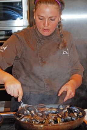 Chef Nicole Cooks the Mussels