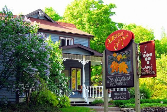 Stay at a lovely auberge in the Eastern Townships