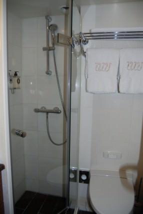 River Royale Cabin 311 Bathroom