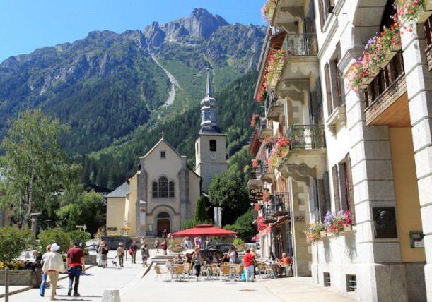 Très bien Chamonix, France | WAVEJourney Travel Tip | WAVEJourney &QK_77