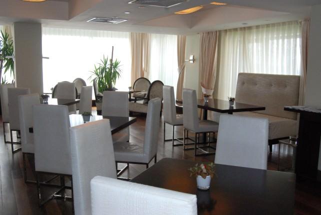 Radisson Blu Bucharest Hotel - Business Club Lounge