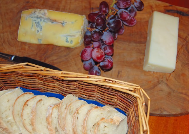 Magna Carta Luxury Canal Barge - English Cheese Selection