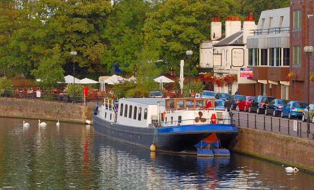 Luxury River Barge Cruise in England