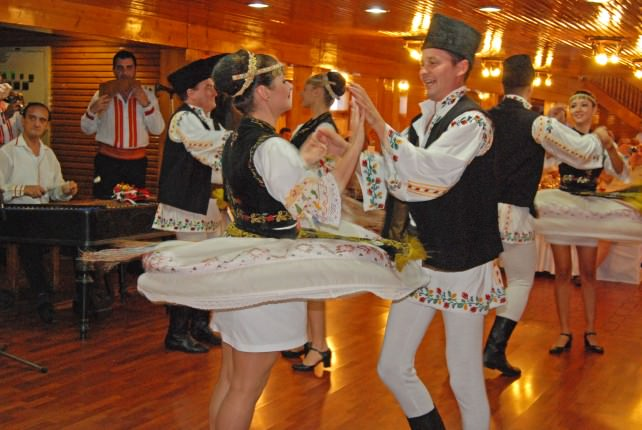 Folklore Dancers at Restaurantul Pescarus in Bucharest