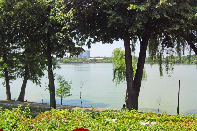 Lake at Restaurantul Pescarus in Bucharest