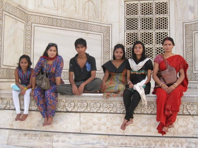Locals at Taj Mahal in India - Photo by David Dossor