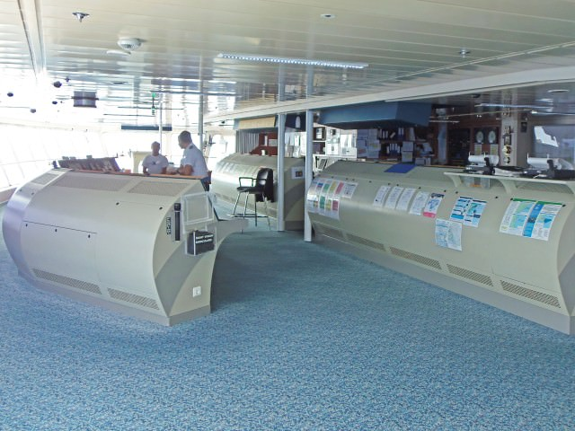 Celebrity Summit - Bridge and Engine Room Operation