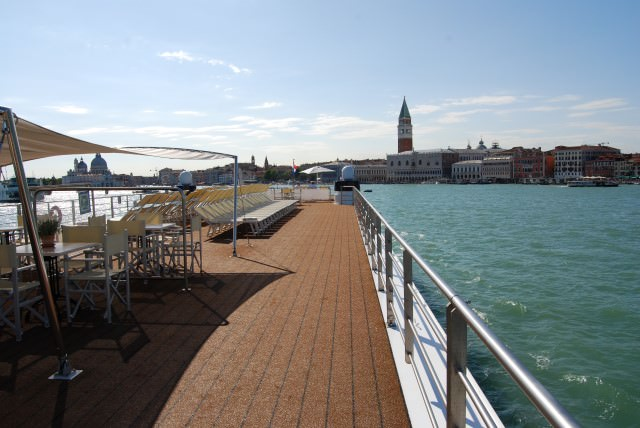 Uniworld River Countess cruises the Venetian Lagoon