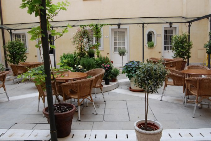 Courtyard at Hotel Carlton on the Grand Canal in Venice, Italy