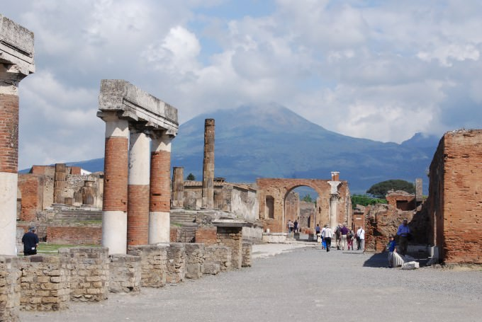 Travel Italy: Sorrento to Pompeii