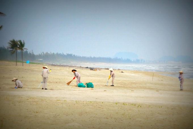 Maintaining the Beach at The Nam Hai