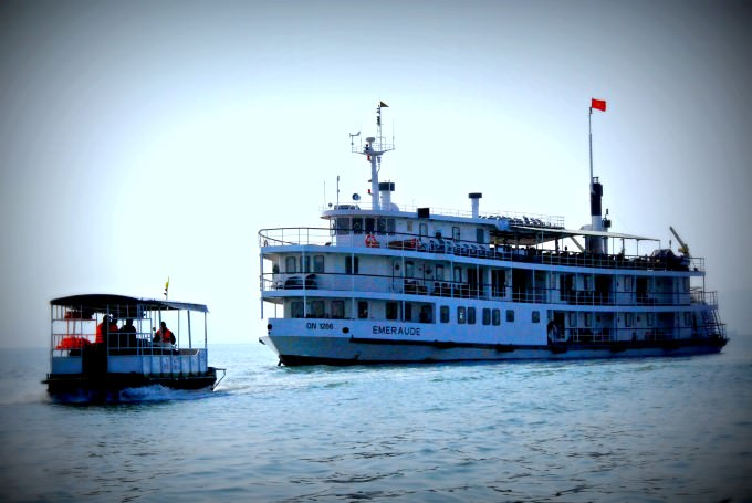 Emeraude in Halong Bay, Vietnam