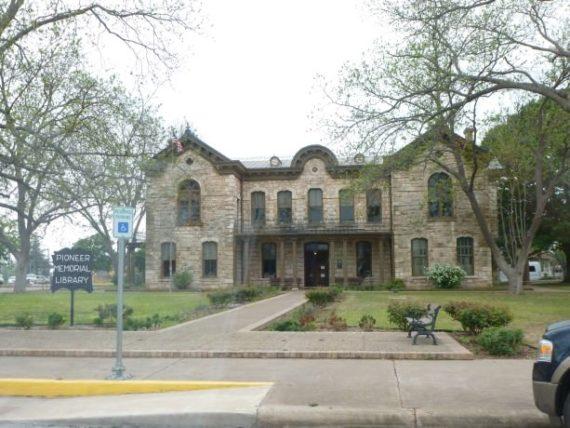 Fredericksburg Pioneer Memorial Library