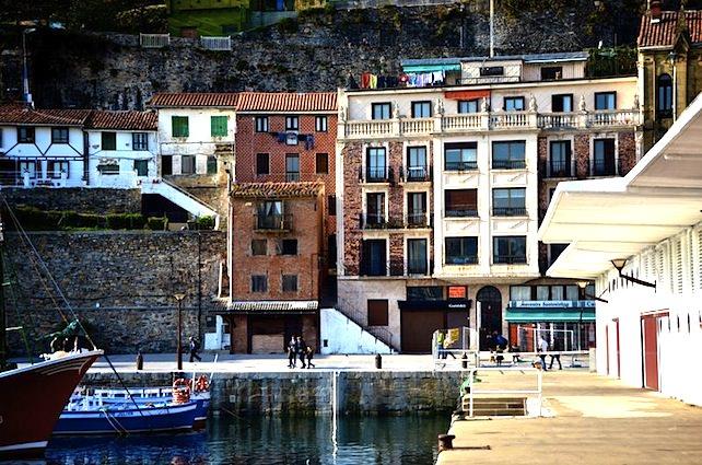 San Sebastian docks. Photo by Katelyn Greene.