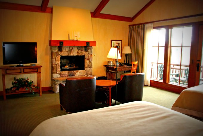 Sunriver Resort - River Lodge Guestroom