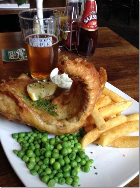 Duke of Wellington Pub - Fish, Chips and Peas
