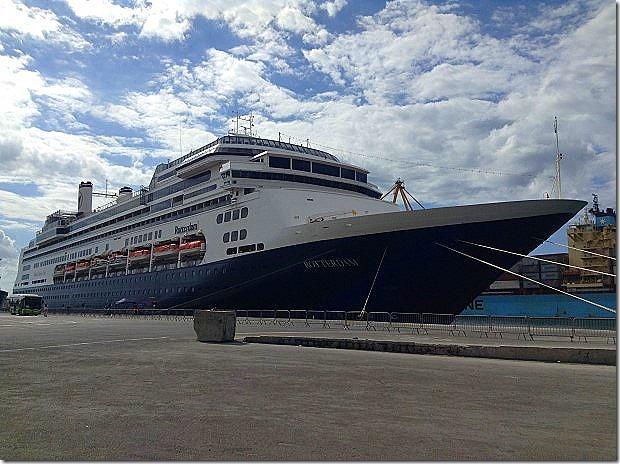 ms Rotterdam in Le Port, Reunion