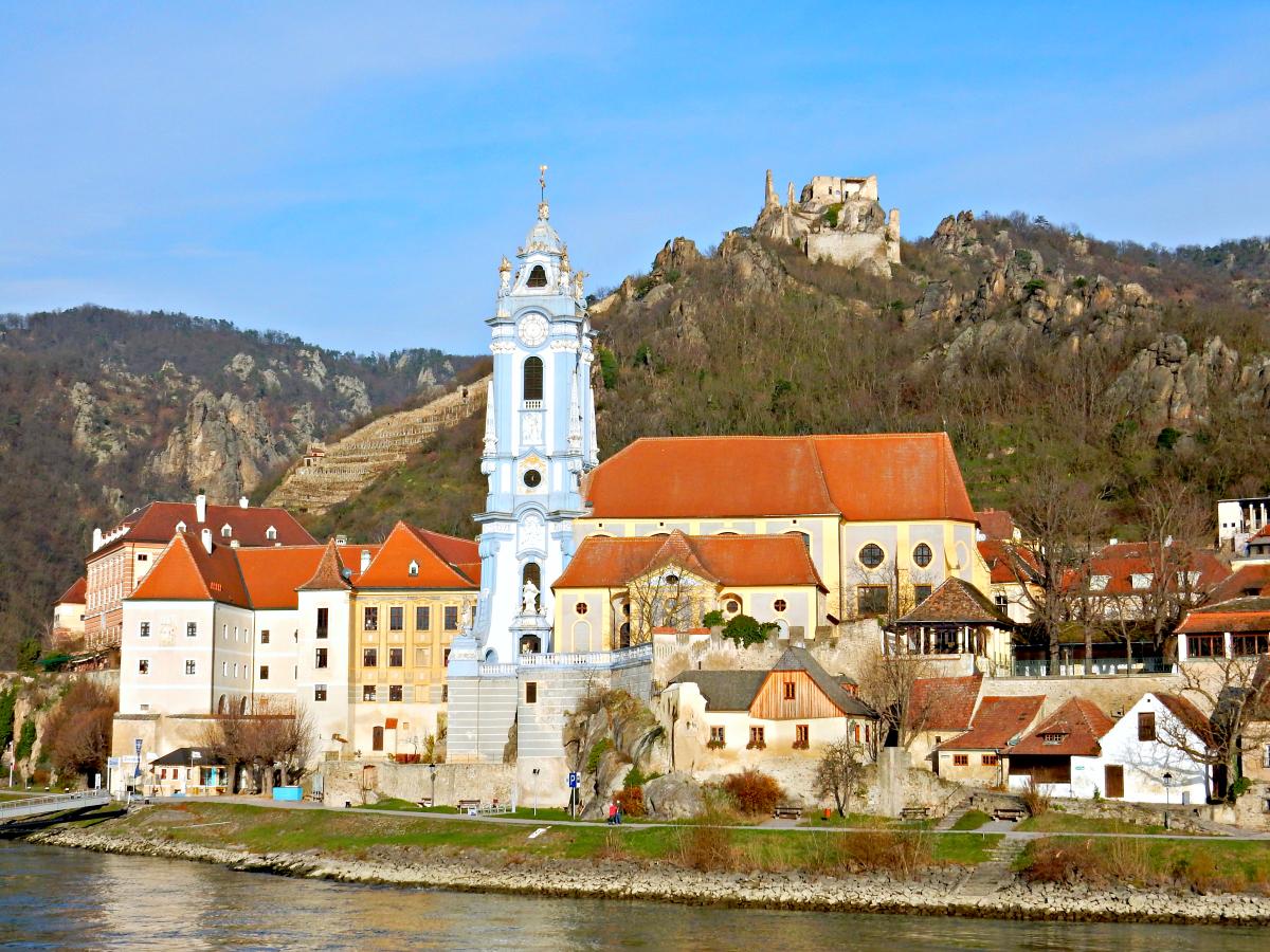 D 252 Rnstein On The Danube In Austria Wavejourney