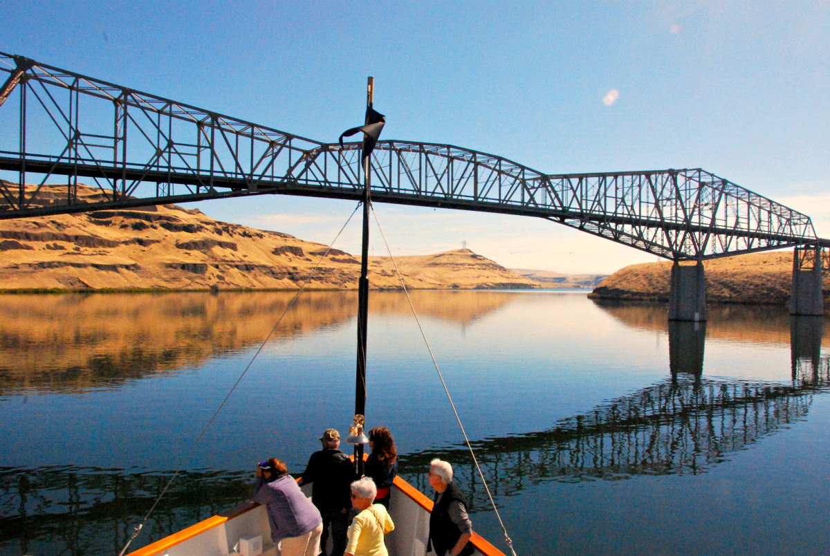 S.S. Legacy Cruising the Snake River