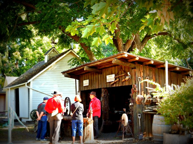 Visiting Fort Walla Walla with Un-Cruise Adventures