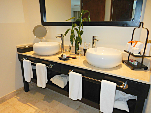 Dreams Los Cabos - Guest Bathroom Vanity