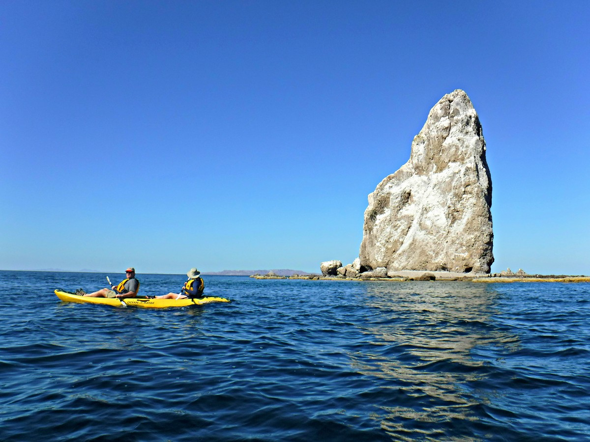 Kayak Around Roca Solitaria at Bahia Agua Verde