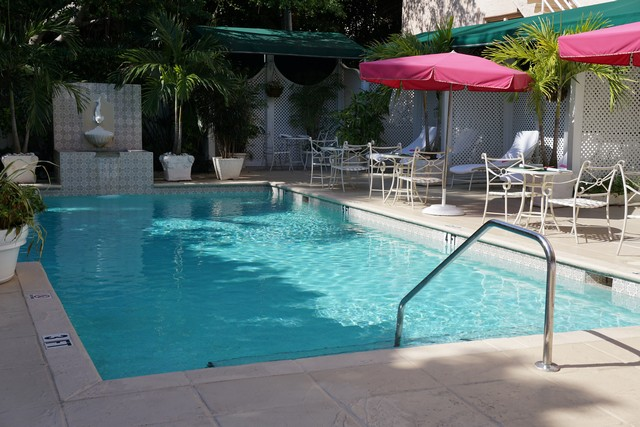 Chesterfield Palm Beach Outdoor Pool