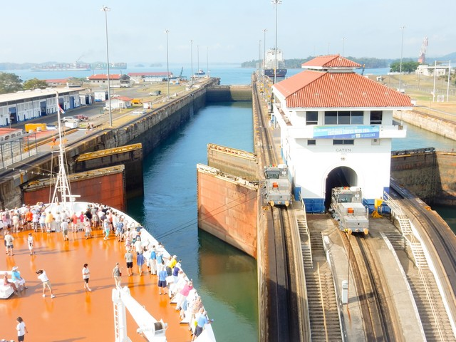 Panama Canal Cruise - Gatun Locks