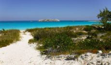 Best 5 Places to Visit in the Bahamas