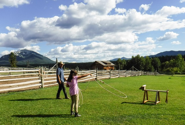 Jada has a Roping Lesson from the Head Wrangler at Echo Valley Ranch