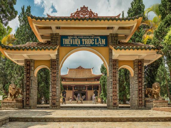 Dalat City Thien Vien Truc Lam Pagoda