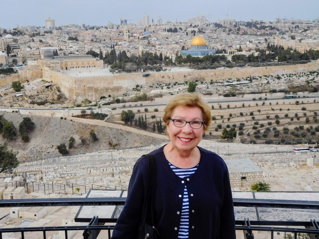 Travel Israel - Walking in the Footsteps of Jesus by Elizabeth von Pier