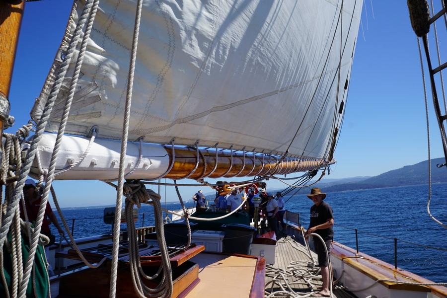 Schooner Zodiac sailing in San Juan Islands