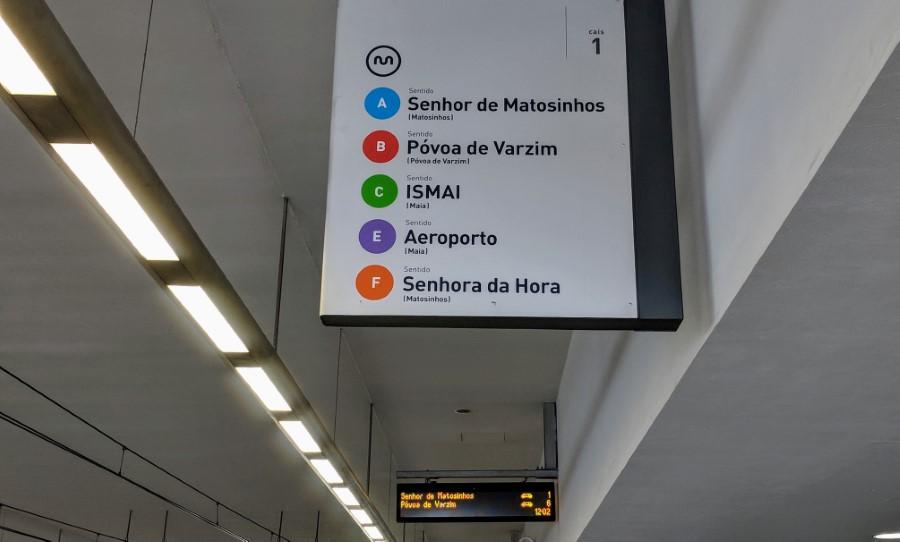 Porto Metro Station Signage
